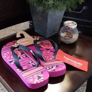HAVAIANAS NWT PINK & BLACK WITH JEWEL SIZE 6 35-36